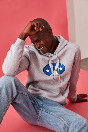 TRENDYOL MAN Gri Erkek Lisanslı Regular Fit Sweatshirt