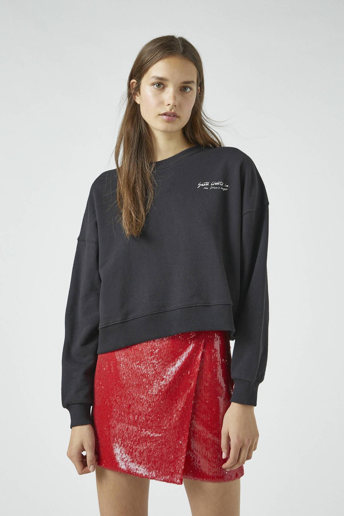 Pull & Bear Kadın Siyah Kontrast Sloganlı Uzun Kollu Sweatshirt 09594316