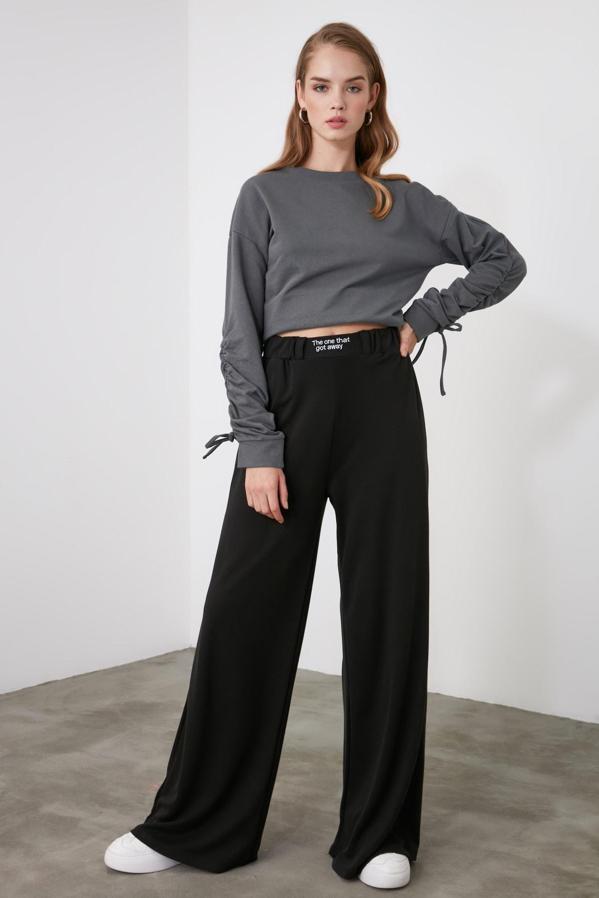 TRENDYOLMİLLA Siyah Nakışlı Wide Leg Örme Pantolon TWOAW21PL0349 1