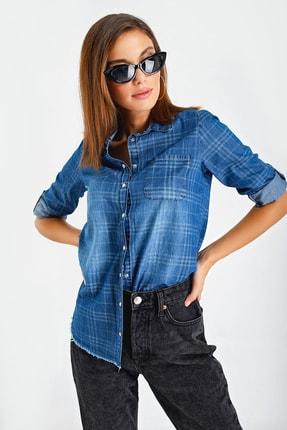 By Saygı Kadın Mavi Kareli Çıtçıtlı Kot Gömlek S-20Y2060090