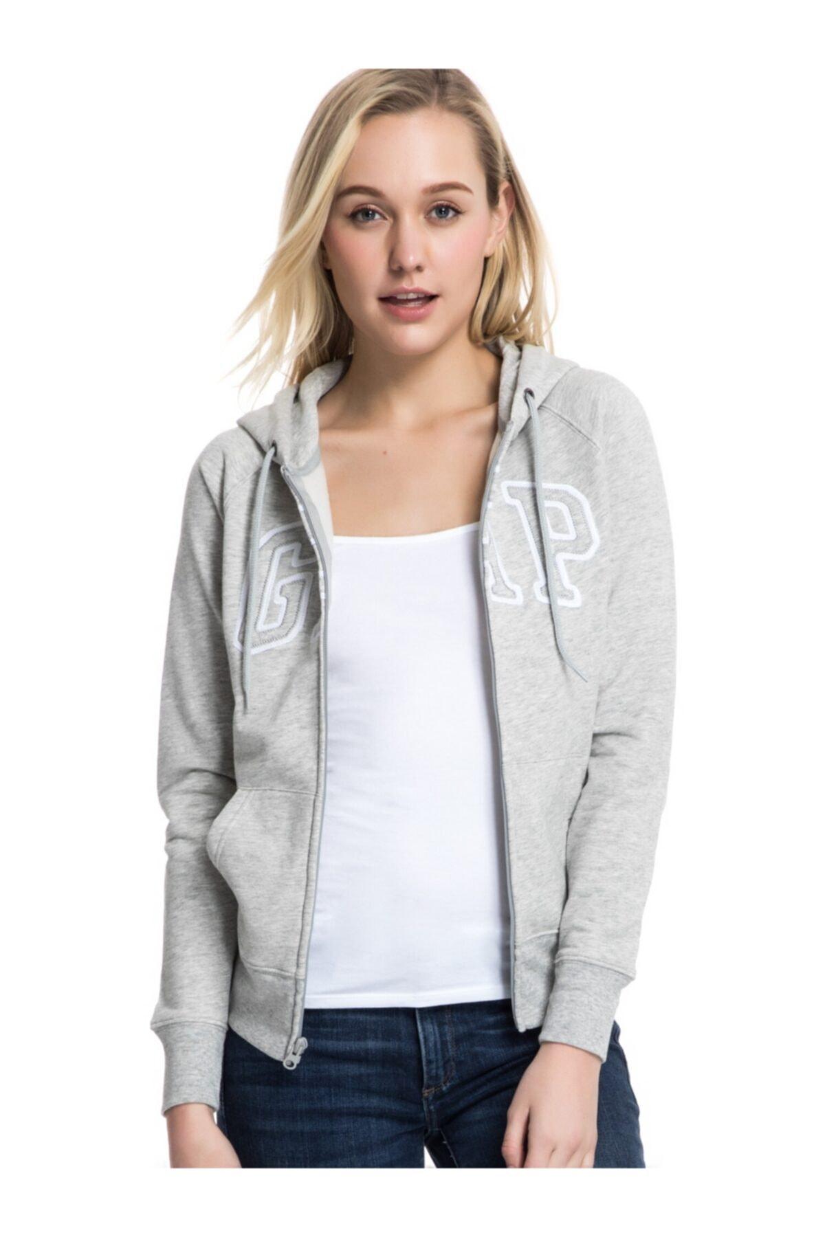 GAP Kadın Logo Kapüşonlu Sweatshirt 1