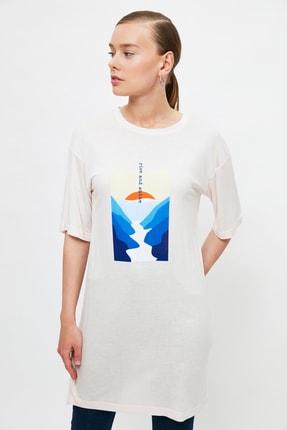 Trendyol Modest Pudra Baskılı Örme T-Shirt TCTSS21TN0217