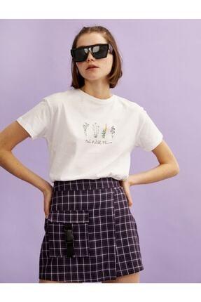 Koton Kadın Ekru Çiçek Baskılı Pamuklu Bisiklet Yaka T-Shirt