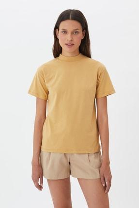 TRENDYOLMİLLA Camel Dik Yaka Örme T-Shirt TWOAW20TS0096