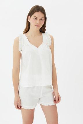 TRENDYOLMİLLA Beyaz Fırfırlı Dokuma Pijama Takımı THMSS21PT0969