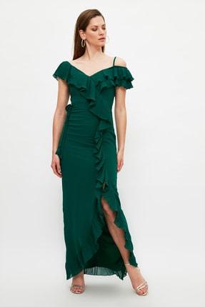 TRENDYOLMİLLA Zümrüt Yeşili Plise Fırfırlı Şifon Abiye & Mezuniyet Elbisesi TPRSS21AE0135
