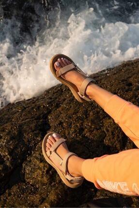 Beyond Kadın Cırtlı Sandalet