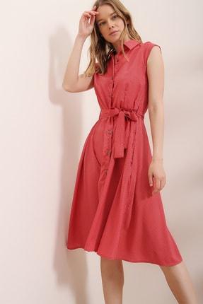 Trend Alaçatı Stili Kadın Mercan Kısa Kol Beli Kemerli Puantiyeli Dokuma Elbise ALC-X6569