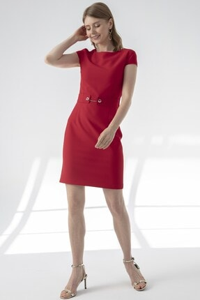 Journey Kadın Kırmızı O Yaka Bel Korsaj Aksesuarlı Elbise
