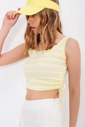 Trend Alaçatı Stili Kadın Sarı Yanı Büzgülü Fitilli Askılı Crop Bluz ALC-X6536