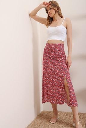 Trend Alaçatı Stili Kadın Kırmızı Yanı Gizli Fermuarlı Yırtmaçlı Çiçek Desenli Dokuma Etek ALC-X6530