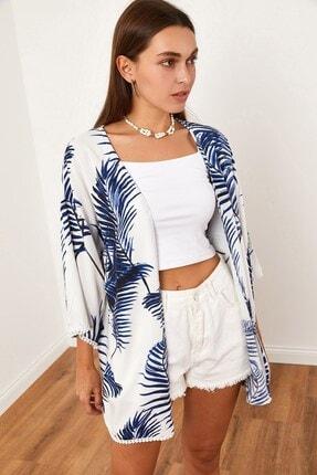 Hadise Yaprak Desenli Kimono Lacivert