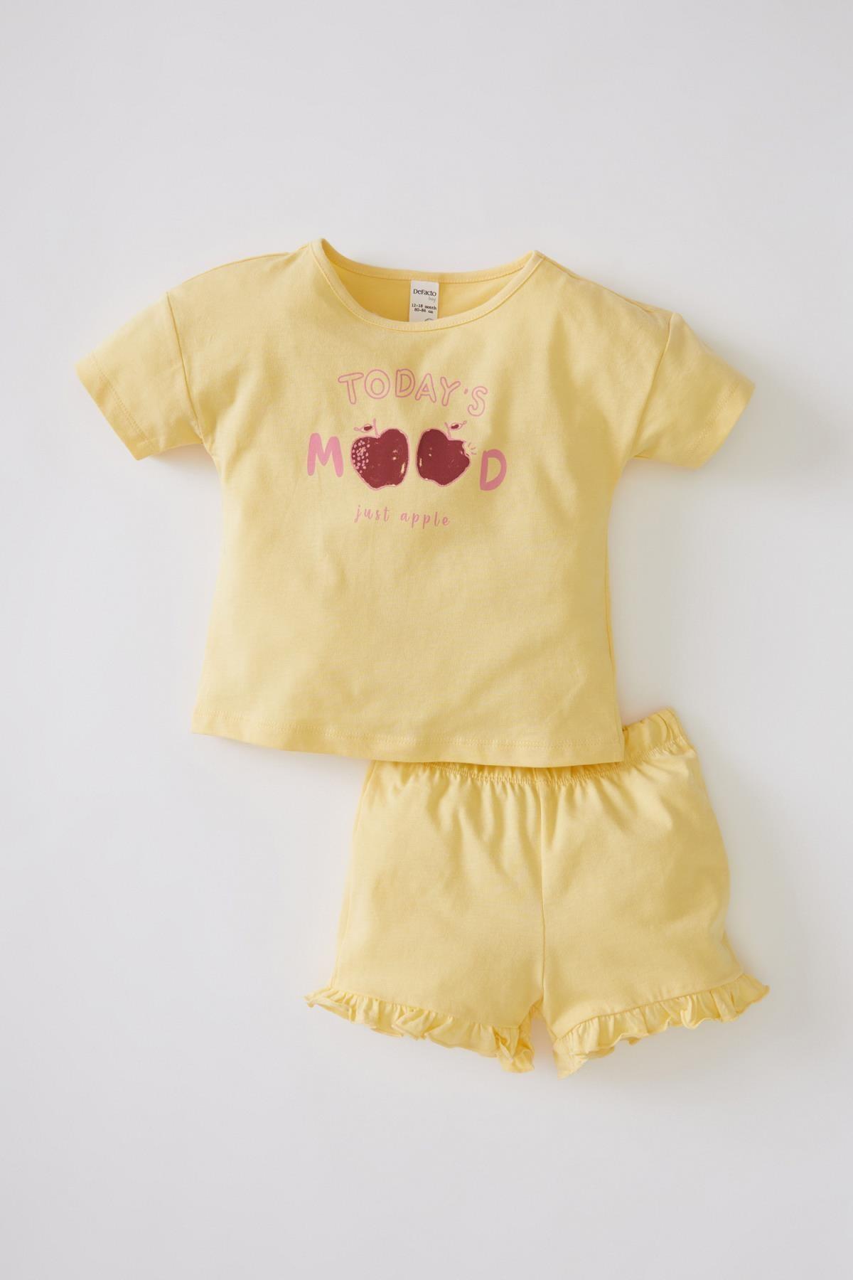 DeFacto Bej Kız Bebek Baskılı Pamuklu Kısa Kollu Tişört Ve Şort Takımı V0529A221SM