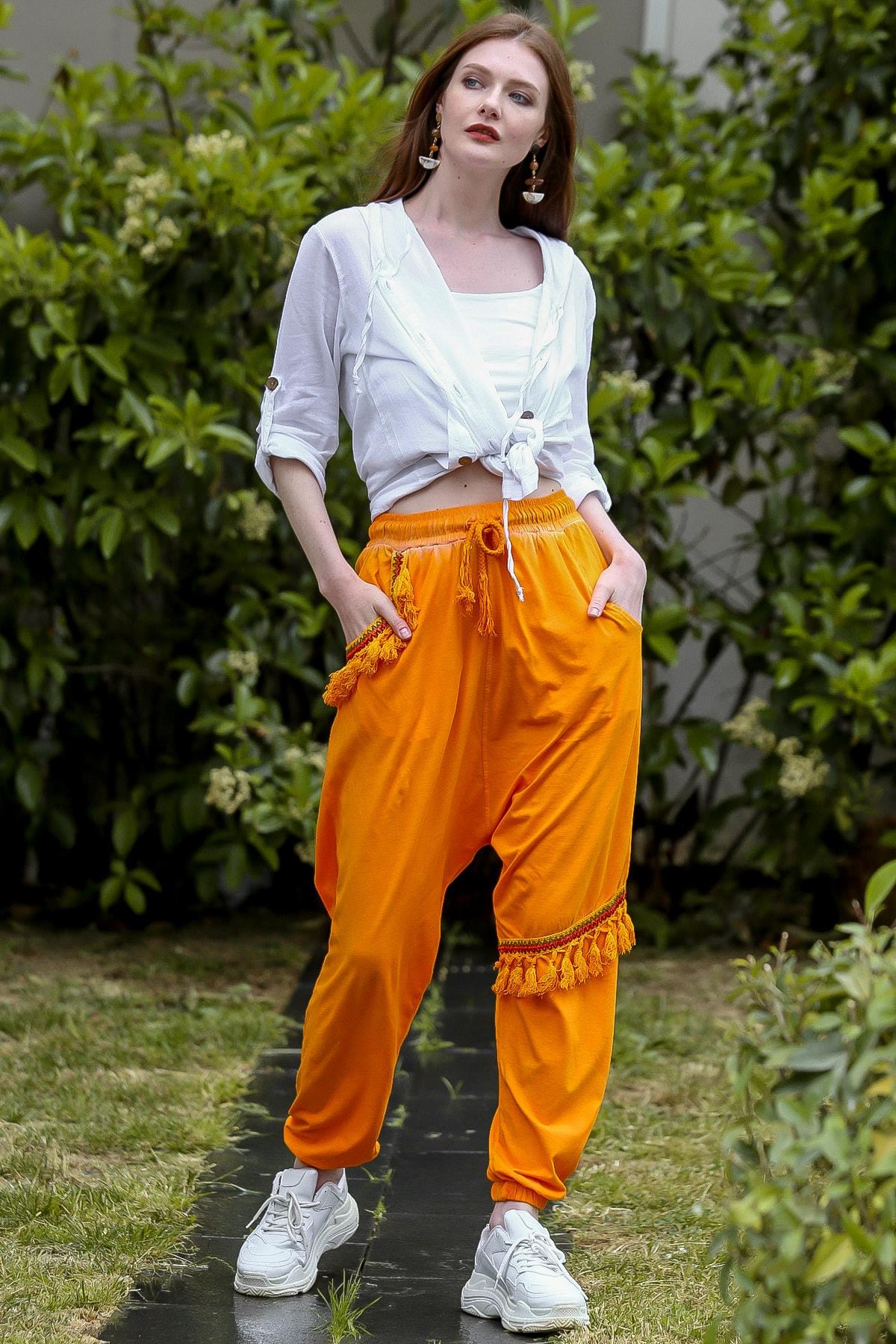 Chiccy Kadın Turuncu Cebi Ve Diz Altı Püskül Detaylı Lastikli Yıkamalı Şalvar Pantolon C10060000PN98801