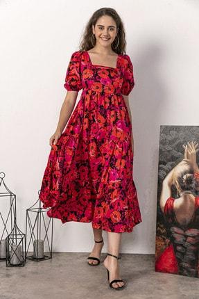 Kadın Modası Kadın Kırmızı Kare Yaka Sırtı Gipeli Yarım Kol Kırmızı Çiçekli Elbise