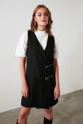 TRENDYOLMİLLA Siyah Kemer Detaylı Jile Elbise TWOAW21EL0158