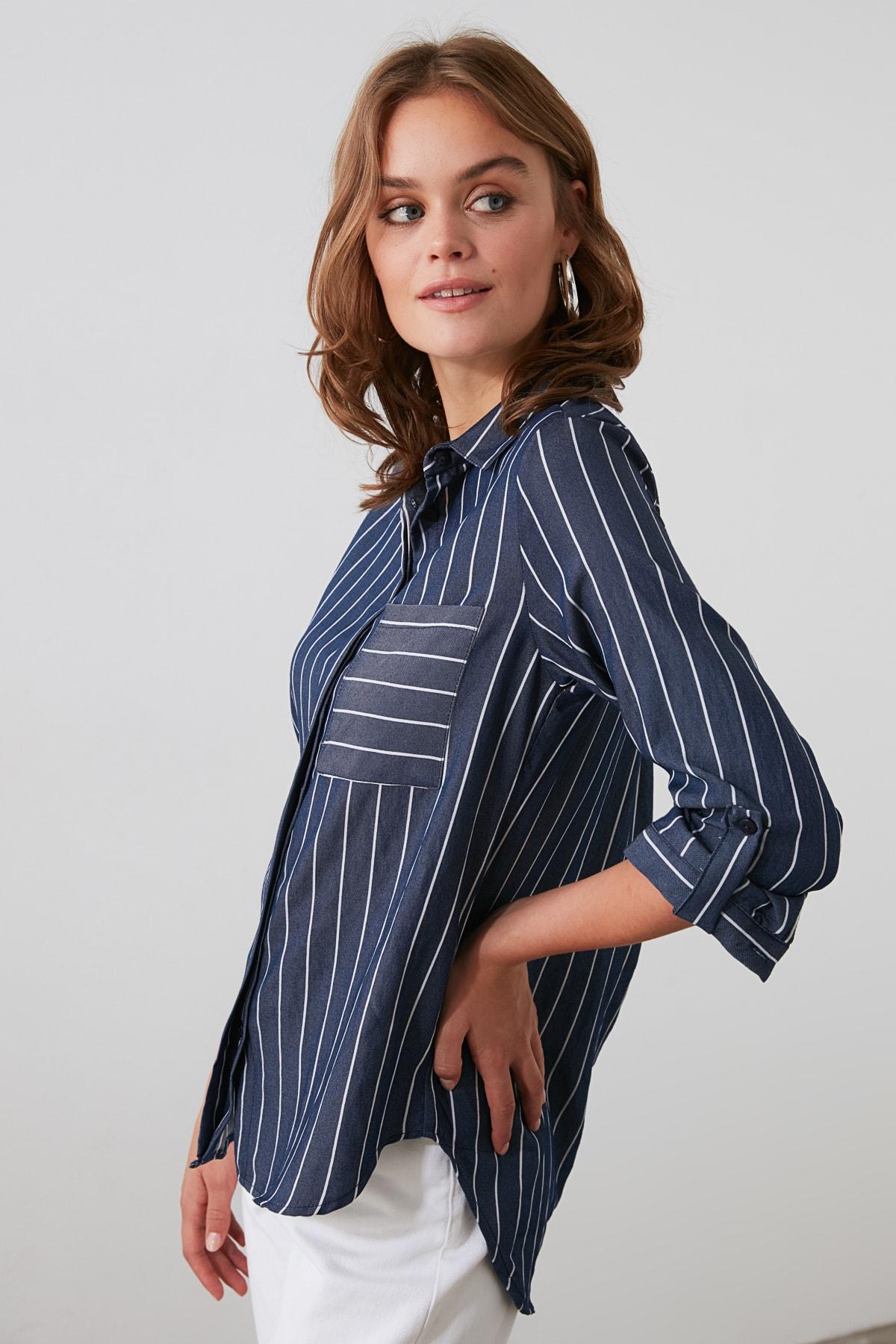 TRENDYOLMİLLA Lacivert Cep Detaylı Gömlek TWOSS19ST0062 1