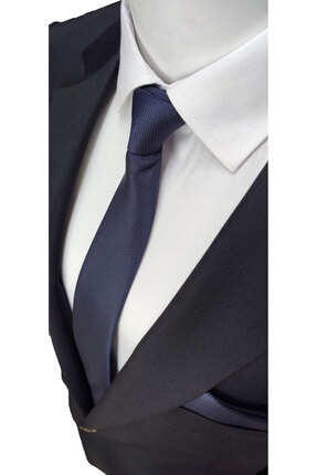 Elegante Cravatte Lacivert Renginde Armürlü Dokuma Kravat Ve Mendil