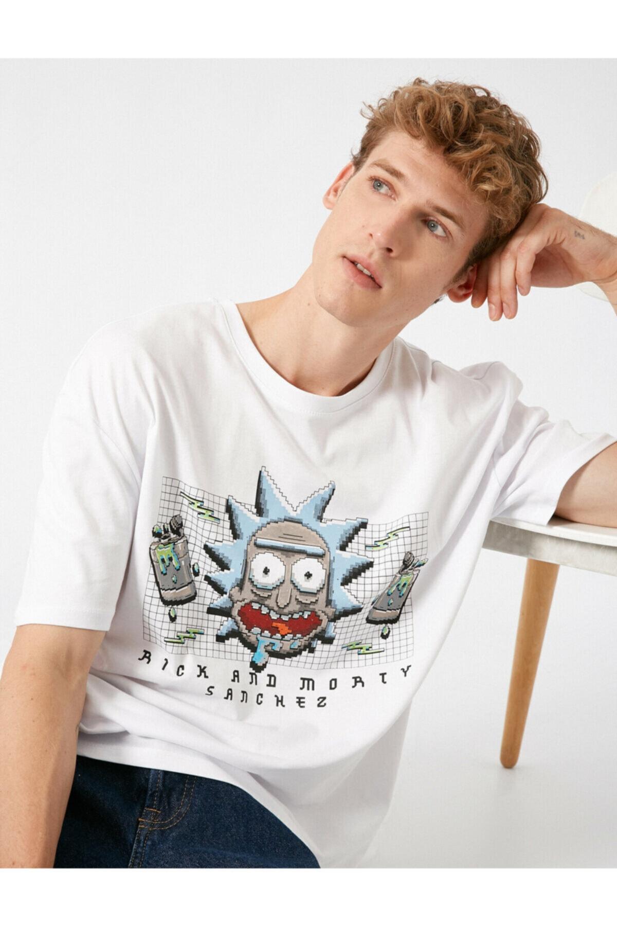 Koton Erkek Beyaz  Rick And Morty Lisansli Bisiklet Yaka Kisa Kollu Tshirt 1