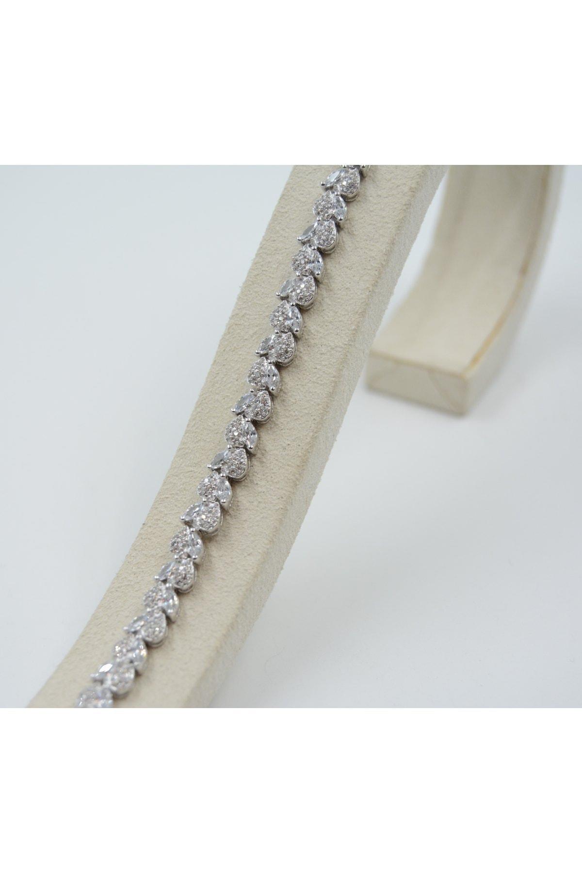 Swarovski Kadın Beyaz Zirkon Taşlı Kalp Desenli 925 Ayar Gümüş Bileklik 1
