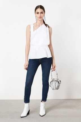 İpekyol Kadın Kırık Beyaz Asimetrik Yaka Detaylı Bluz