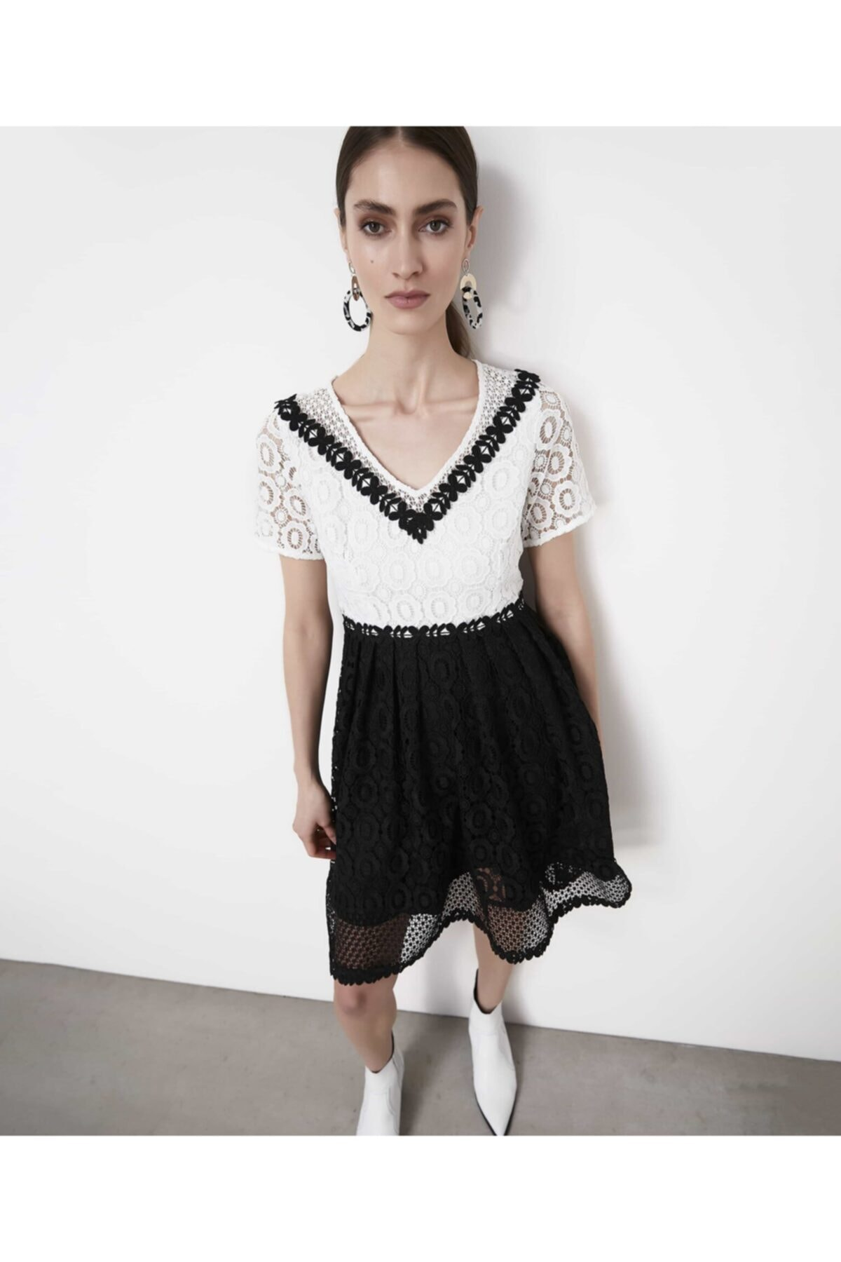 İpekyol Kadın Siyah Color Block Güpür Elbise 2