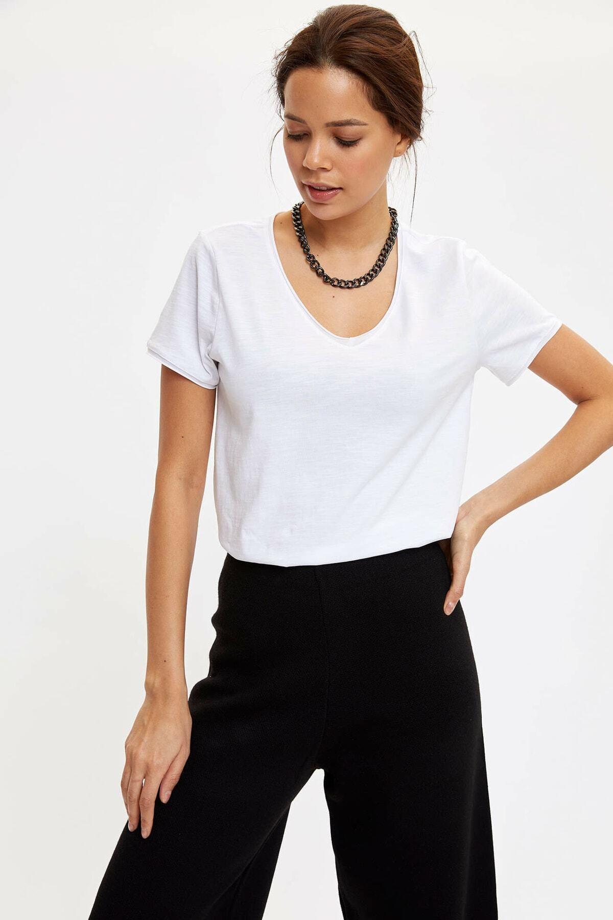 DeFacto Kadın Beyaz V Yakalı Kısa Kollu T-shirt 2