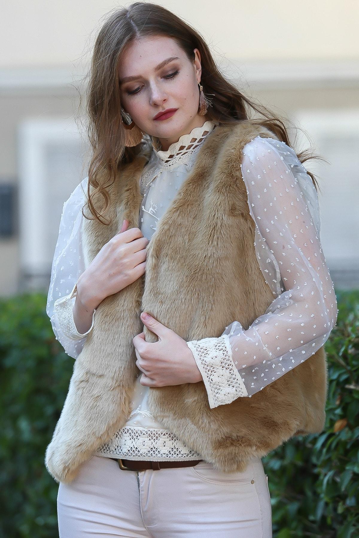 Chiccy Kadın Camel İtalyan Klasik Agraf Detaylı Astarlı Pelüş Yelek M10010600YL99837