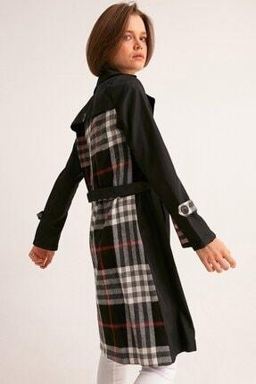Fulla Moda Kadın Siyah Arkası Ekose Trençkot