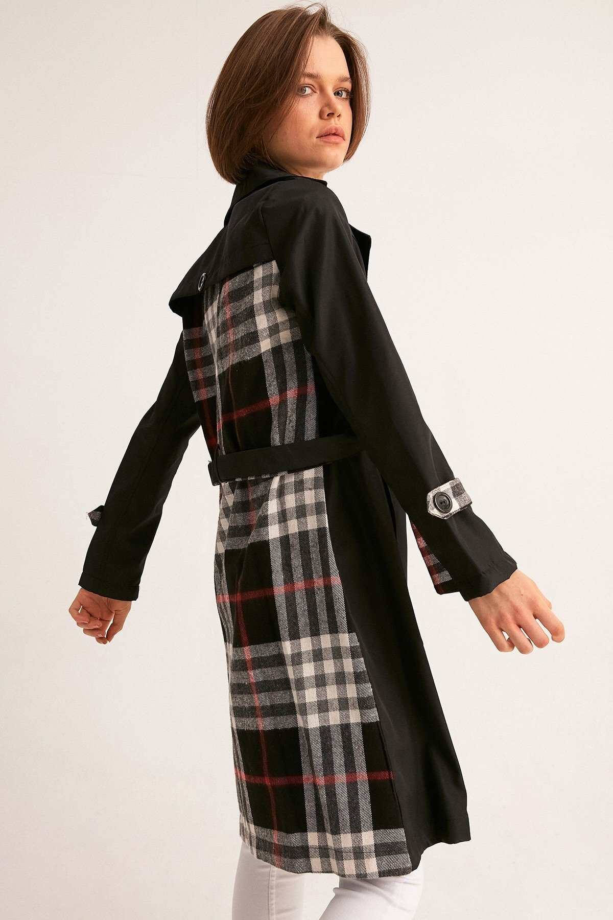Fulla Moda Kadın Siyah Arkası Ekose Trençkot 1