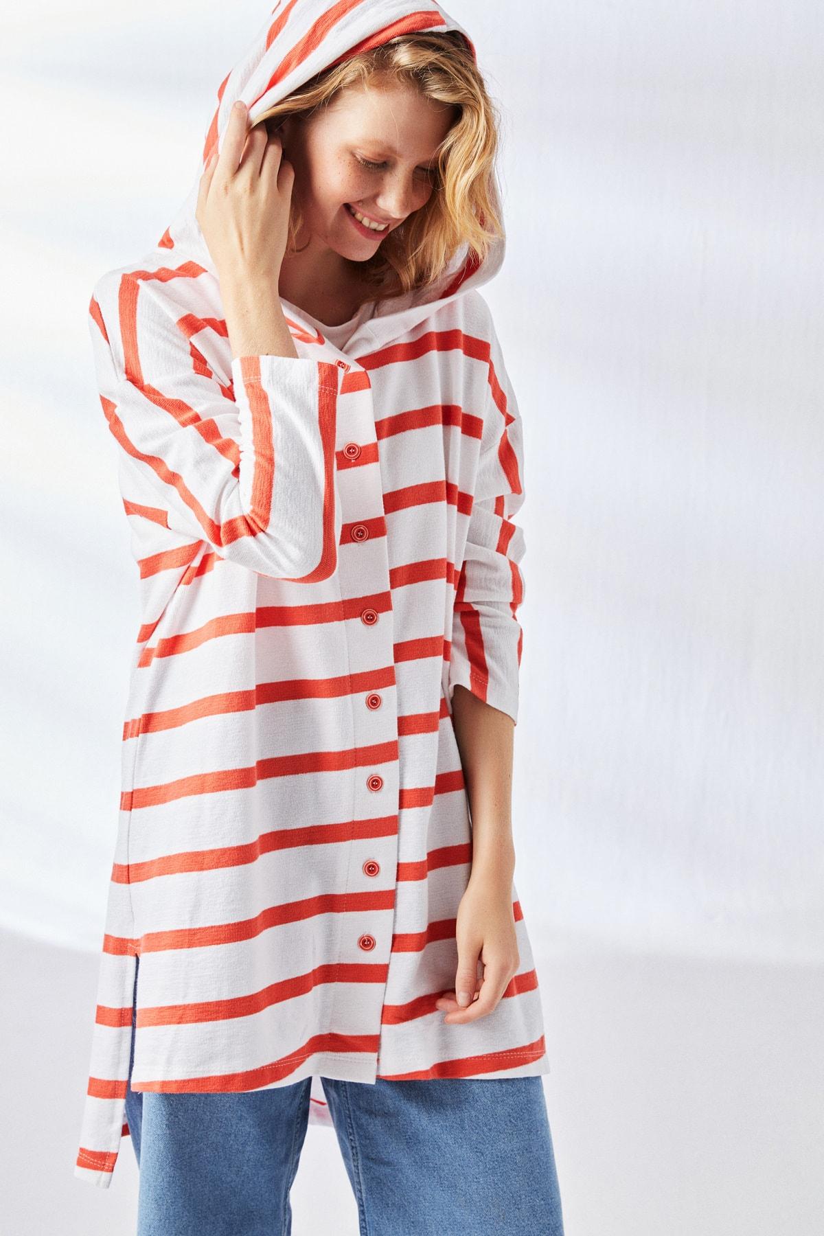 Muni Muni Kadın Kırmızı Bol Kesim Kapüşonlu Tunik