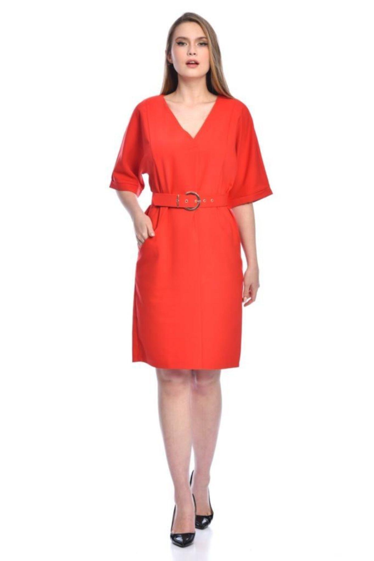 Modkofoni Kısa Kollu V Yaka Yandan Cepli Tokalı Ve Kemerli Kırmızı Elbise 1