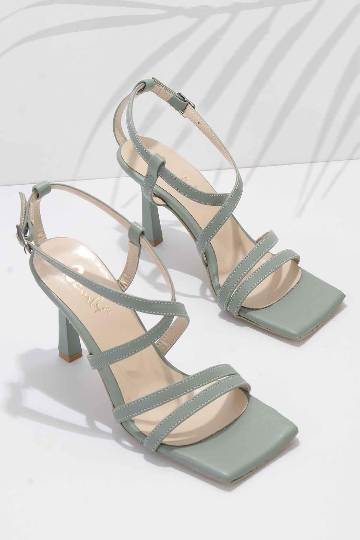 Bambi Su Yeşili Kadın Klasik Topuklu Ayakkabı K01527250309