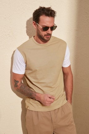 TRENDYOL MAN Beyaz Erkek Bisiklet Yaka Regular Fit T-Shirt TMNSS20TS0004