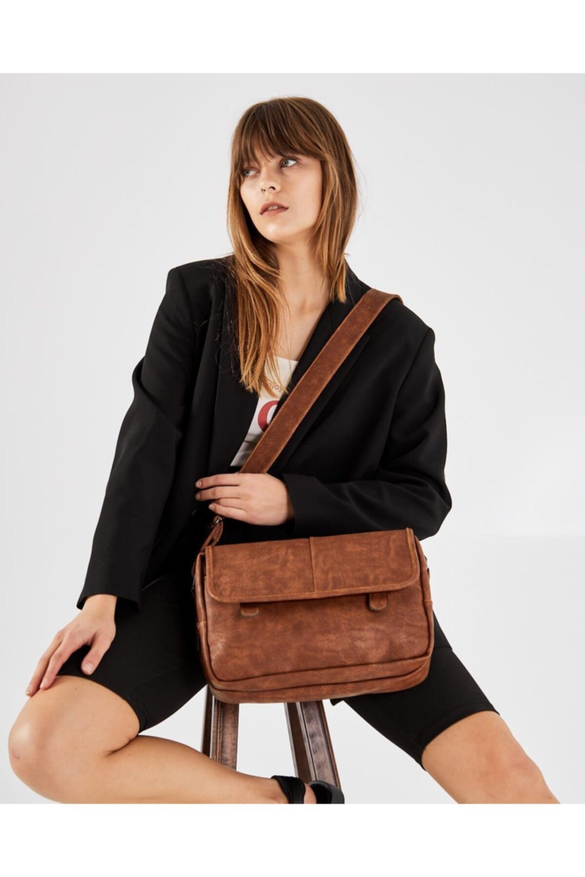 Shule Bags Nubuk Kumaş Kadın Postacı Çanta Lina Taba 1