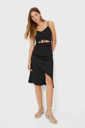 Stradivarius Kadın Siyah Pencere Detaylı Büzgülü Elbise