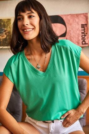 Olalook Kadın Yeşil Boncuk Detaylı V Yaka Bluz BLZ-19001540