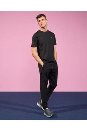 SKECHERS Performance Tops M Crew Neck T-Shirt Erkek Siyah Tshirt S211698-001