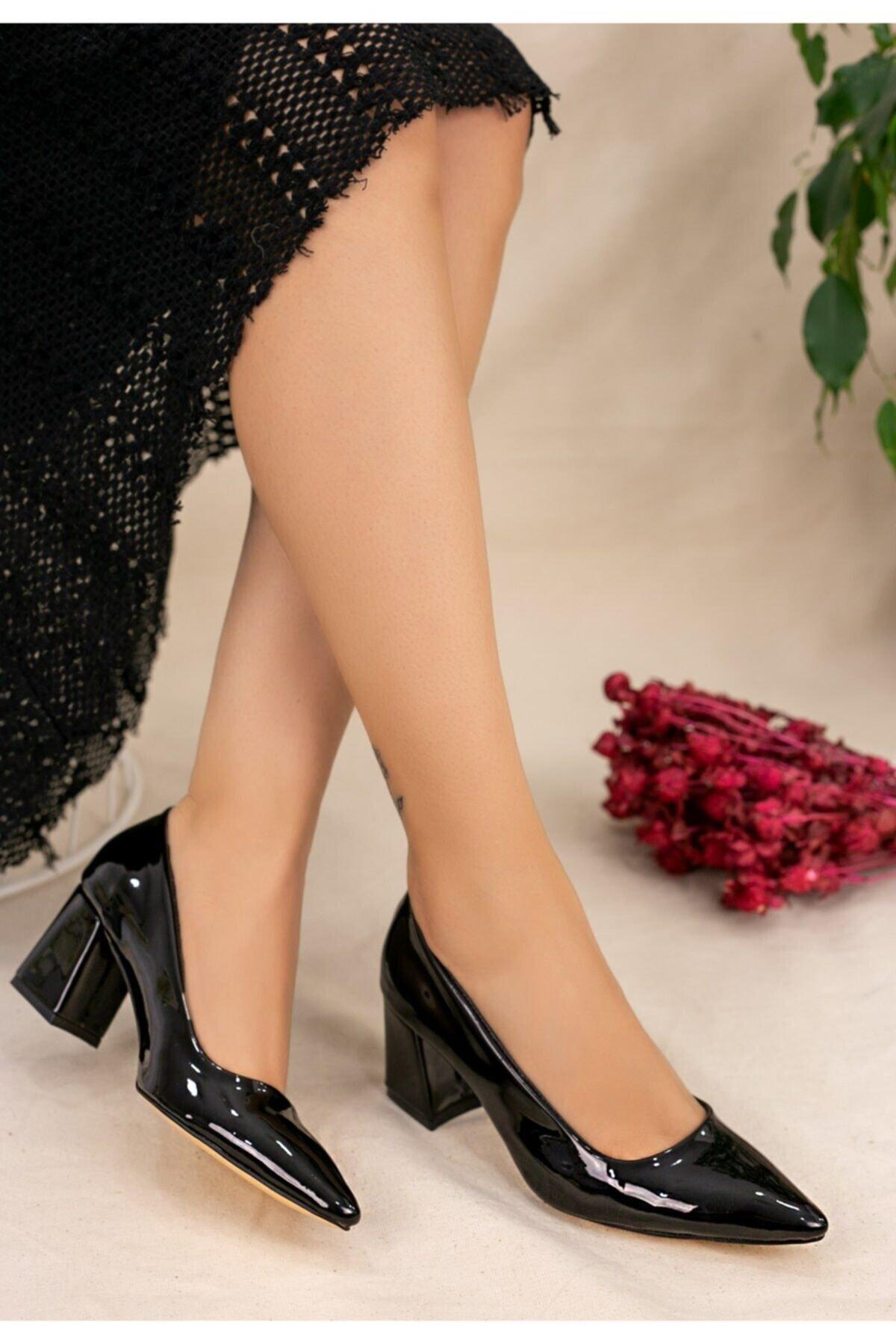 karazona Kadın Siyah Rugan Topuklu Ayakkabı 2
