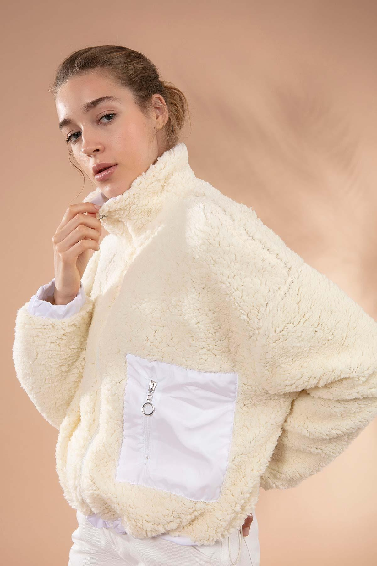 Y-London Kadın Bej Önü Fermuarlı Cepli Kuzu Ceket Y19W127-10420 1