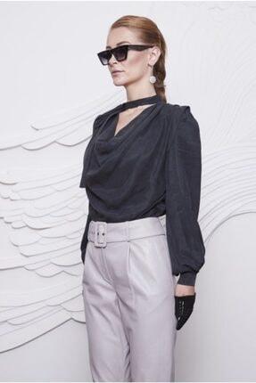 Arzu Kaprol Kadın Siyah Degaje Yaka Bluz