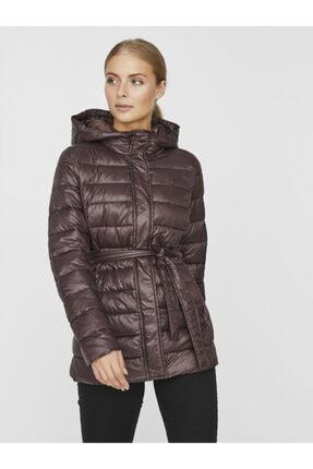 Vero Moda Kadın Kahverengi Kapüşonlu Beli Kuşaklı Mont 10230865 VMSORAYALYDIA