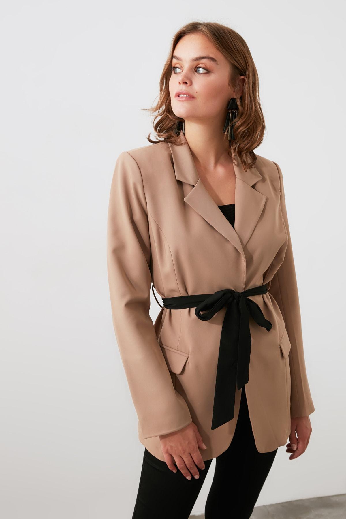 TRENDYOLMİLLA Bej Beli Kuşaklı  Blazer Ceket TWOSS20CE0050 2
