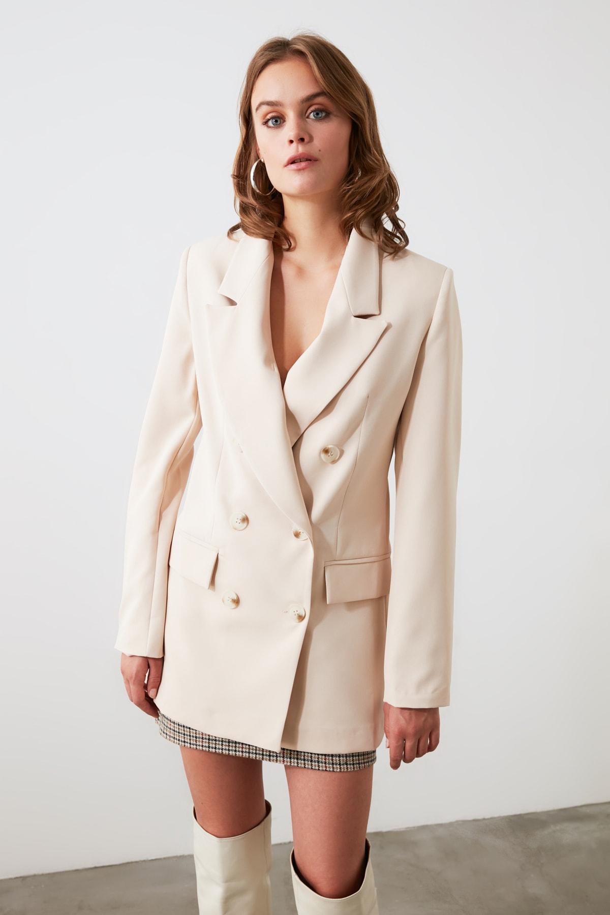 TRENDYOLMİLLA Bej Düğmeli Blazer Ceket TWOAW20CE0130 1