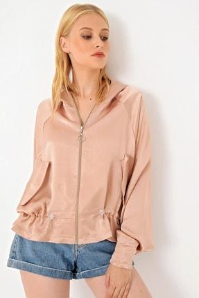 Trend Alaçatı Stili Kadın Koyu Pudra Beli Büzgülü Saten Kapşonlu Fermuarlı Ceket ALC-X4936