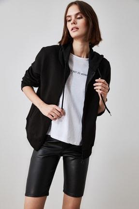 TRENDYOLMİLLA Siyah Fermuarlı Kapüşonlu Basic Örme Sweatshirt TWOAW21SW0836