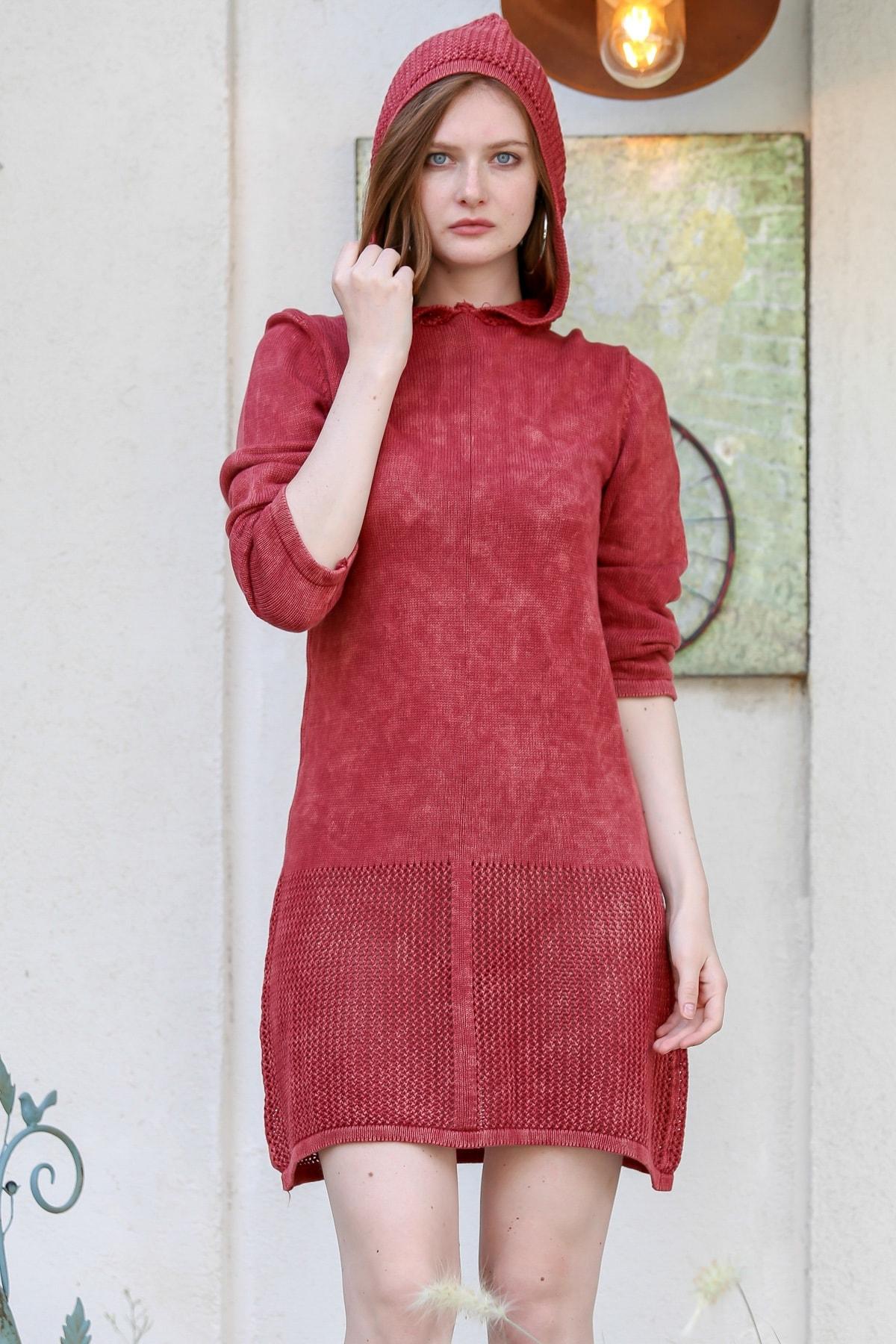 Chiccy Kadın Kırmızı Retro Kapüşon Detaylı Etek Ucu Kafes Örgü Yıkamalı Triko Elbise M10160000EL96236