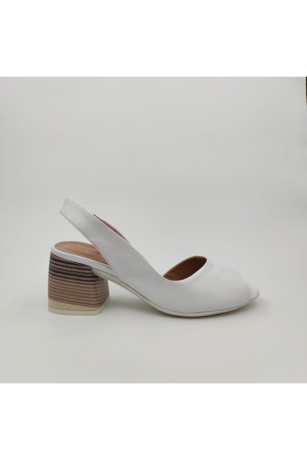 Dericlub Kadın Beyaz Deri Topuklu Ayakkabı 640 1