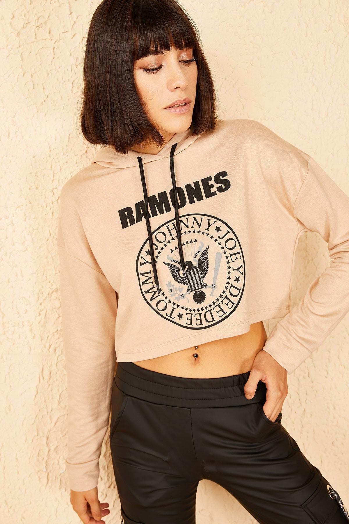 Bianco Lucci Kadın Camel Ramones Baskılı Kapüşonlu Sweatshirt 10141023