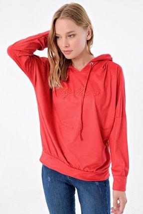 Trend Alaçatı Stili Kadın Kırmızı Nakışlı Kapşonlu Sweatshırt MDA-ST035